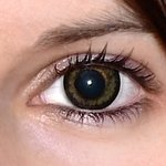 Awesome black v detailu na původní barvě očí hnědo-zelené